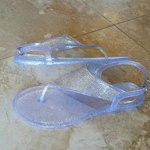 Shoes - 🌍HP🌏 Clear jelly studded beach thong sandal